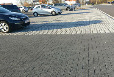 Waterdoorlatende bestrating parking